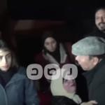 """مشادة كلامية بين الفنان """"أحمد ماهر"""" وفتاة خلال عرض مسرحي"""