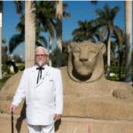 بالصور:سفير مطاعم كنتاكي يحطّ الرحال في مصر.. ويلتقط الصور في أشهر معالم القاهرة