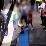 بالفيديو: لحظة سقوط طفلة تحت قطار في محطة مترو