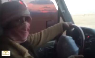 بالفيديو: سعودية تقود السيارة وترحب بالشباب!