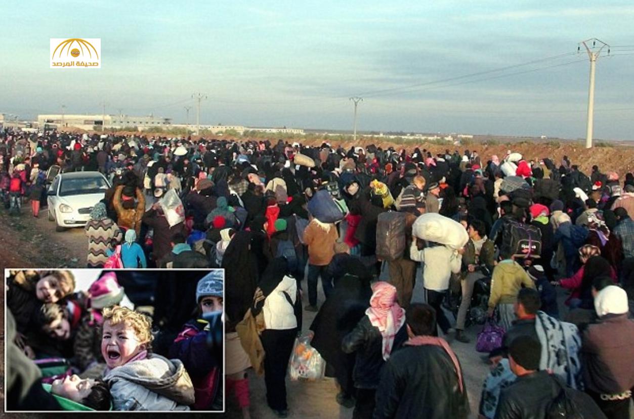 """بالصور:""""سيل"""" من النازحين باتجاه الحدود التركية هربا من المعارك بريف حلب"""