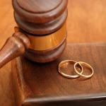جدة:فسخ زواج ثمانيني وإحالة المأذون إلى التحقيق