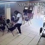 بالفيديو:شاهد ماذا فعل رجل ضبط زوجته في مطعم مع آخر