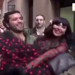 بالفيديو: فنان مصري يحمل مريم حسين ويسير بها في شوارع إسبانيا