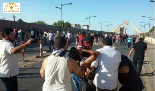 بالصور: أنصار الصدر يقتحمون المنطقة الخضراء والشرطة تواجههم بالرصاص