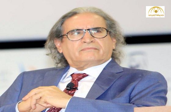 """عثمان العمير """"يعلن موت الصحافة الورقية"""