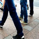 طريقة مشيتك قد تكشف عن سماتك الشخصية