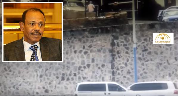 داعش تنشر فيديو لحظة اغتيال محافظ عدن لأول مرة..شاهد قوة الانفجار