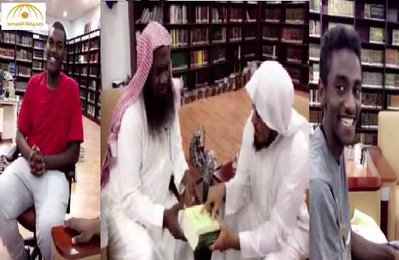 """بالفيديو:العودة  عبر حسابه في """"سناب شات""""  يجري حوارا مع الكلباني واثنين من أبنائه"""