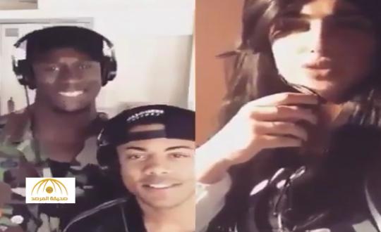 شاهد : سعودية  تبهر مغني أجنبي مشهور بصوتها في اليوتيوب