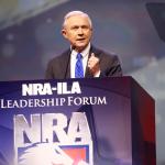 سيناتور أمريكي :حظر ترامب لدخول المسلمين أمريكا قد يشمل هذه الدول الست