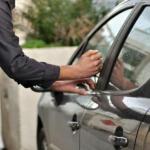 وفاة شاب مصري و فتاة خنقا بالغاز داخل سيارة أثناء ممارستهما الرذيلة في ليل شهر رمضان !!