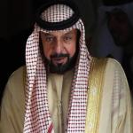 رويترز : رئيس الإمارات يغادر البلاد في رحلة نادرة منذ إصابته بجلطة