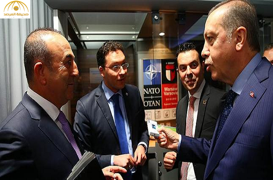 """بالصور:""""أردوغان"""" يسحب علبة السّجائر من وزير خارجيّة بلغاريا ويقنعه بترك التدخين!"""