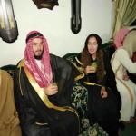 بالصور: زواج أمريكية على الطريقة البدوية