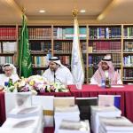 """وزير الإعلام """"عادل الطريفي"""" يلتقي الأدباء والمثقفين في """"أدبي جدة""""-صور"""