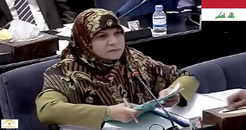 بالفيديو: في جلسة مسربة..نائبة في البرلمان العراقي تفضح وزير الدفاع بتمويل داعش بالأسلحة