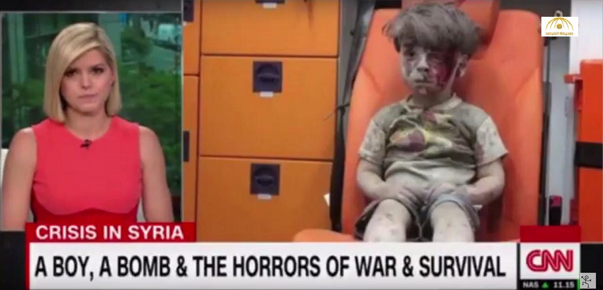 """بالفيديو: مذيعة قناة """"CNN"""" الأمريكية تبكي على الهواء بسبب الطفل السوري عمران"""