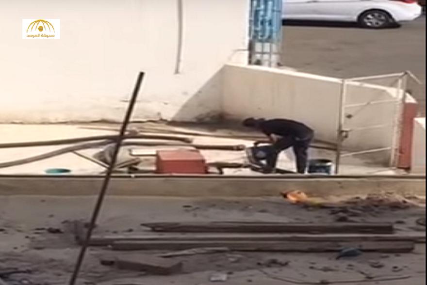 بالفيديو: شاهد كيف يتم غش الوقود بإحدى محطات مكة المكرمة
