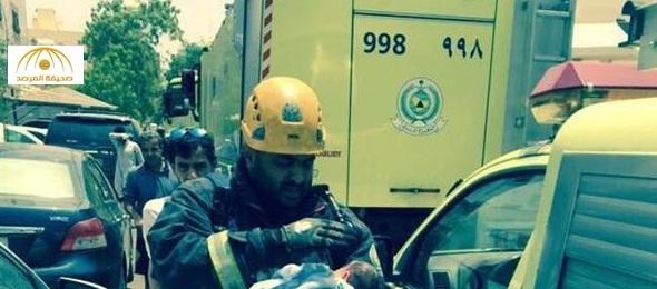 شاهد كيف تصرف رجل الدفاع المدني أثناء انقاذ رضيع من حريق – صورة