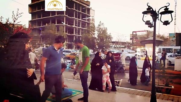 """بالفيديو : رد فعل الشيعة عندما شاهدوا """" سُنّي """" يصلي في كربلاء"""