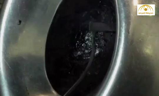 بالفيديو : شاهد الحجر الأسود من الداخل