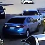 بالفيديو: سطو مسلح في الرياض ينتهي  بالقبض على أحد الجناة