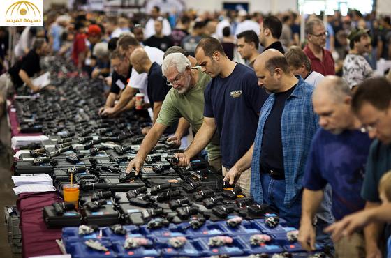 إقبال كبير من الأمريكيين على شراء الأسلحة النارية
