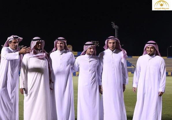 بالصور .. أجانب النصر يحضرون التدريب بالزي السعودي