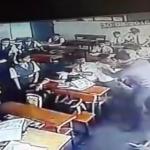 كاميرا مراقبة ترصد اعتداء معلّم هندي على طفل بطريقة وحشية