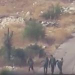 """شاهد: الجيش الحر يوثّق لحظة استهداف 5 من عناصر النظام السوري بصاروخ """"فاغوت"""" – فيديو"""