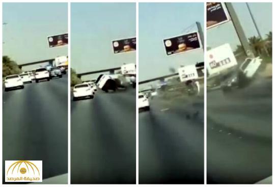 المرور يكشف تفاصيل جديدة عن سائق تسبب بحادث تصادم وانقلاب سيارته على الطريق الدائري بالرياض-فيديو