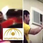 بالفيديو : معلم هندي يضرب الطلاب ويصفع الطالبات بطريقة وحشية
