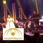 بالفيديو .. لحظة انهيار بلقيس بالبكاء على مسرح دار الأوبرا في مصر