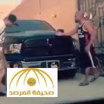 بالفيديو : شباب نفذوا مقلب في صديقهم لشراء سيارته .. فلقنهم درسا