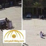 بالفيديو : لحظة العفو عن قاتل في ساحة القصاص..شاهد ردة فعله المفاجئة