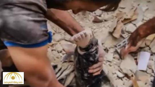 """بالفيديو : شاعر و مسؤول أردني سابق يوجه رسالة مؤثرة للعرب باسم """"قدم طفل سوري"""""""