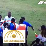 شاهد: مشاجرة بين لاعبي شباب الاتحاد والأهلي تنتهي بإصابة حكم المباراة في وجهه