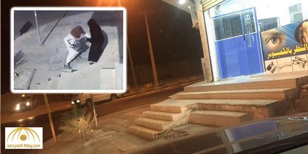 """القبض على المُلَثَّم سارق حقيبة المرأة في """" القريات """" – فيديو"""