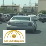 فيديو: سعودي يوثق إغلاق طريق بسبب صلاة الجمعة… والمرور يعلق !