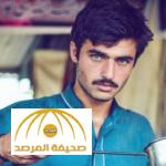 من بائع شاي في باكستان إلى عارض أزياء شهير
