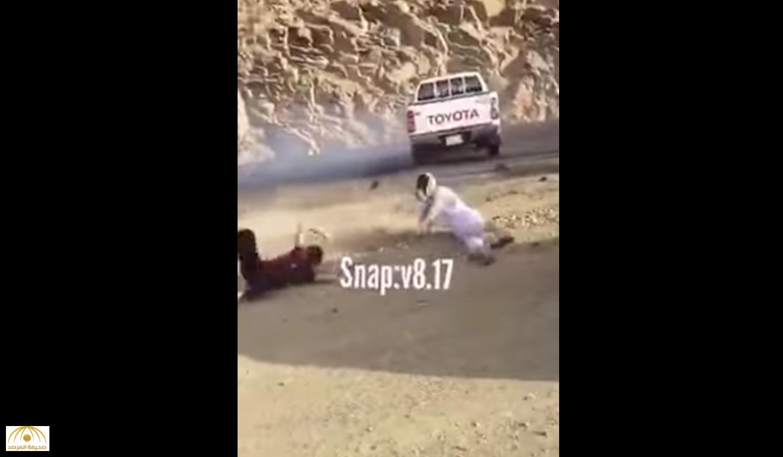 فيديو : دهس متجمهرين في ساحة تفحيط