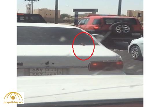 بالفيديو:مواطن يوثق خروج أصابع يد من شنطة سيارة.. والشرطة تحقق