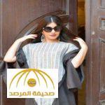 """بالصور: مصممة سعودية تكشف عن تصاميم عباءات جديدة.. وترفض """"سلخ"""" الفتاة السعودية من عاداتها"""