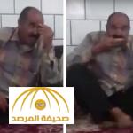 """بالفيديو.. دخل حسينية للشيعة فسخر منهم وأخذ """"وجبة"""" وتباكى على الحسين !"""