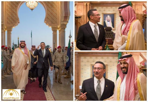 بالصور: ولي ولي العهد يجتمع مع وزير الدفاع الماليزي في مكتبه بالمعذر