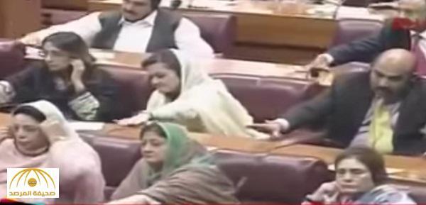 بالفيديو .. لماذا طرق نواب باكستان على طاولاتهم خلال خطاب أردوغان ؟