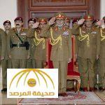 في أول ظهور علني منذ عام .. شاهد بالصور.. سلطان عمان يحضر عرضا عسكريا