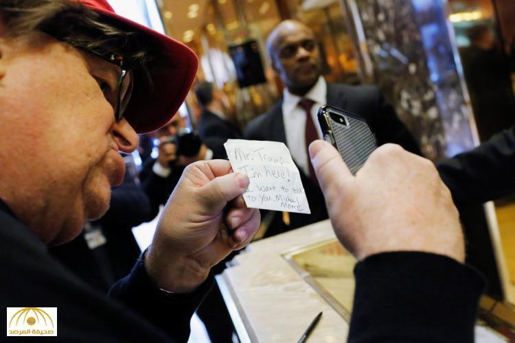 """بالفيديو: مخرج أمريكي شهير يذهب إلى مكتب الرئيس """"ترامب"""" ويطلب منه أمر غريب!"""