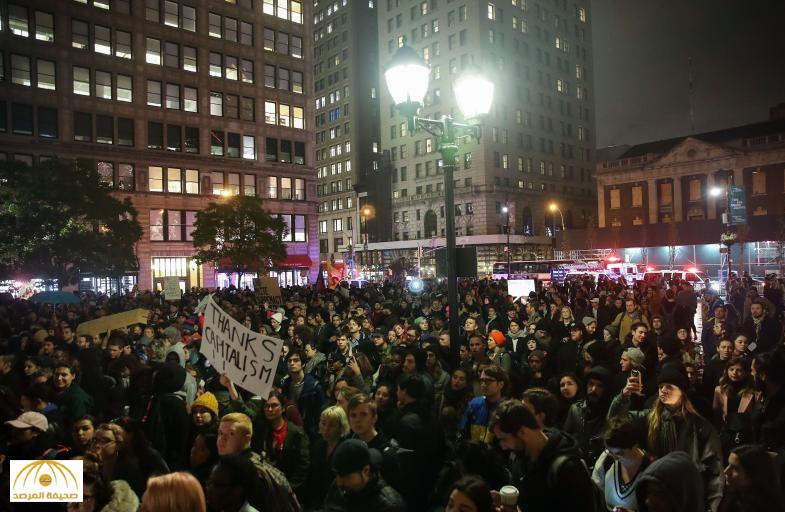 بالفيديو والصور : تظاهرات في عددٍ من المدن الأميركية احتجاجاً على فوز ترامب